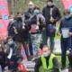 Na zdjęciu zwycięzcy zawodów strzeleckich stojący na podium z nagrodami